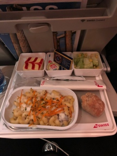 airline food gets a lot of shit, but this really wasn't half bad!